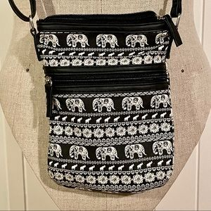 2/$20 // CLAIRES Elephant Print Crossbody Purse